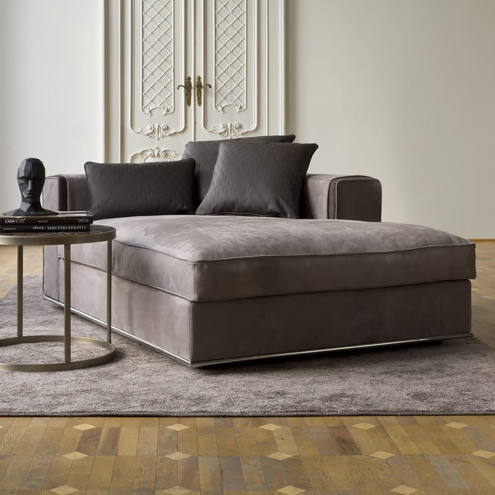 contemporary italian leather chaise longue