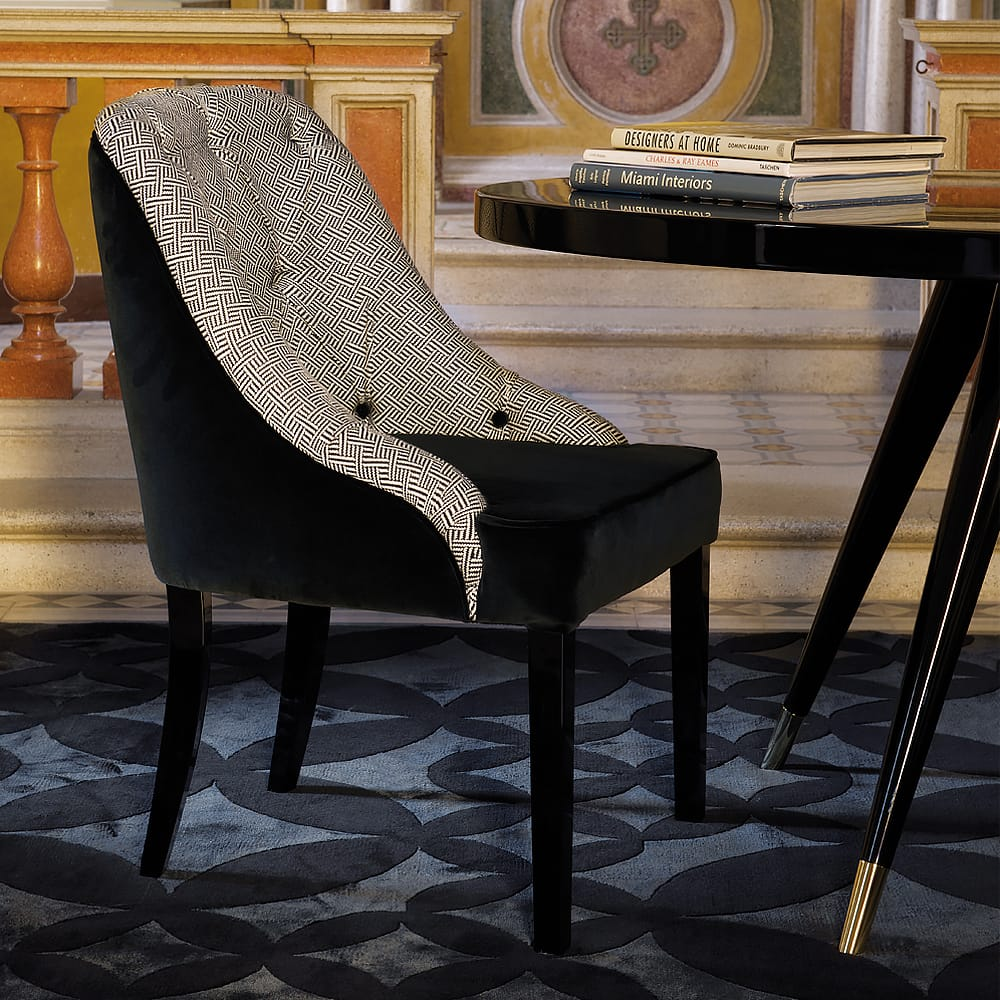 Contemporary Button Upholstered patterned fabric Dining Chair