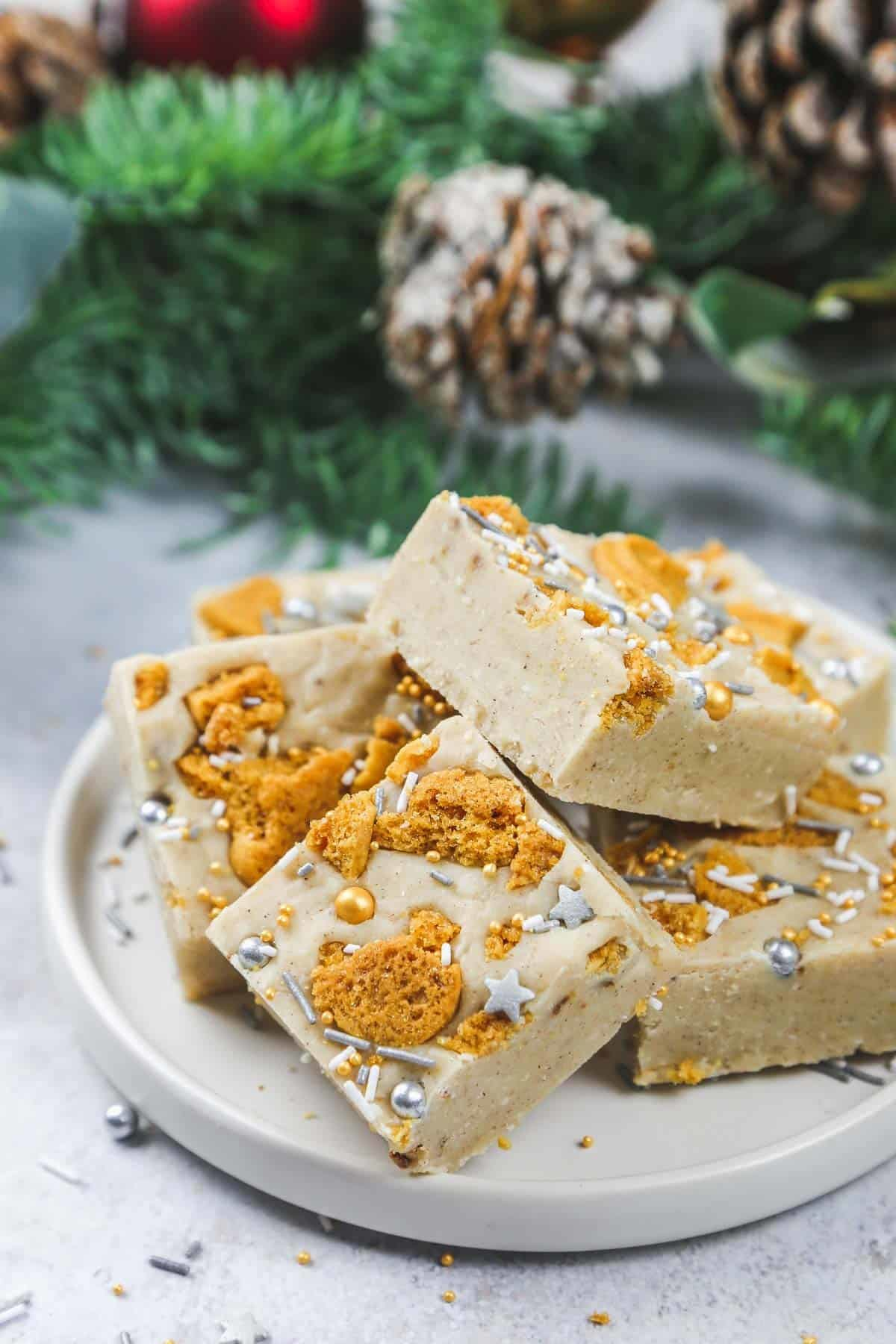 Christmas food, easy gingerbread fudge with ginger biscuit topping