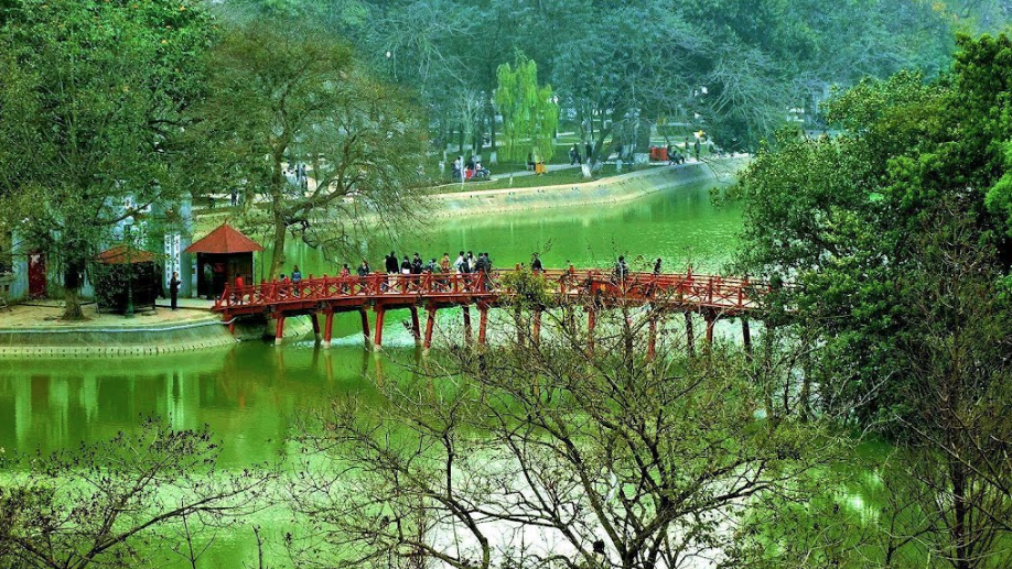 Vietnam, Hanoi, Ngoc Son Temple with scarlet bridge