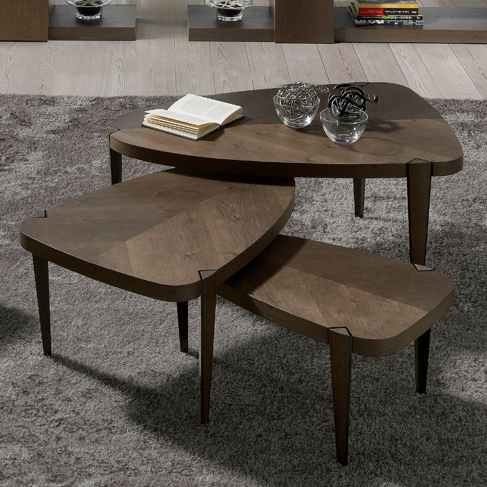 Nest of 3 tables, irregular shape, aged oak veneer in a symmetrical finish, autumn arrivals