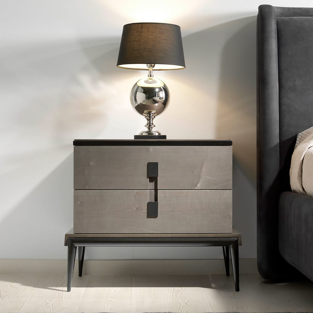 Impress the guests, London Collection high gloss, veneered bedside cabinet