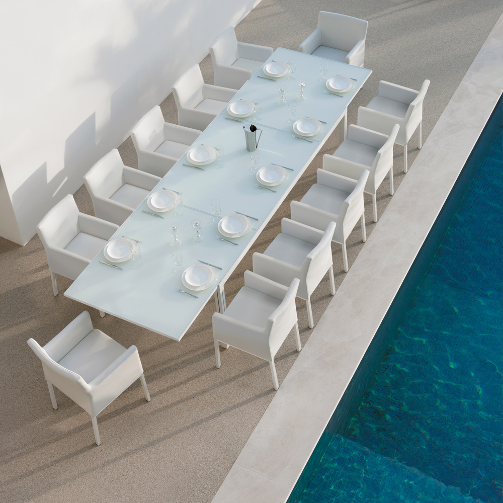 Contemporary Designer Garden Extendable Dining Set With LED Lights