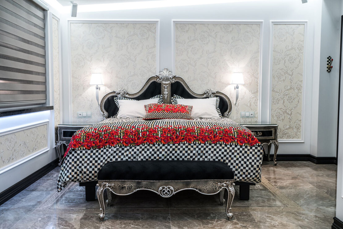 Diamond Suites, Ruby suite, hand carved luxury bed