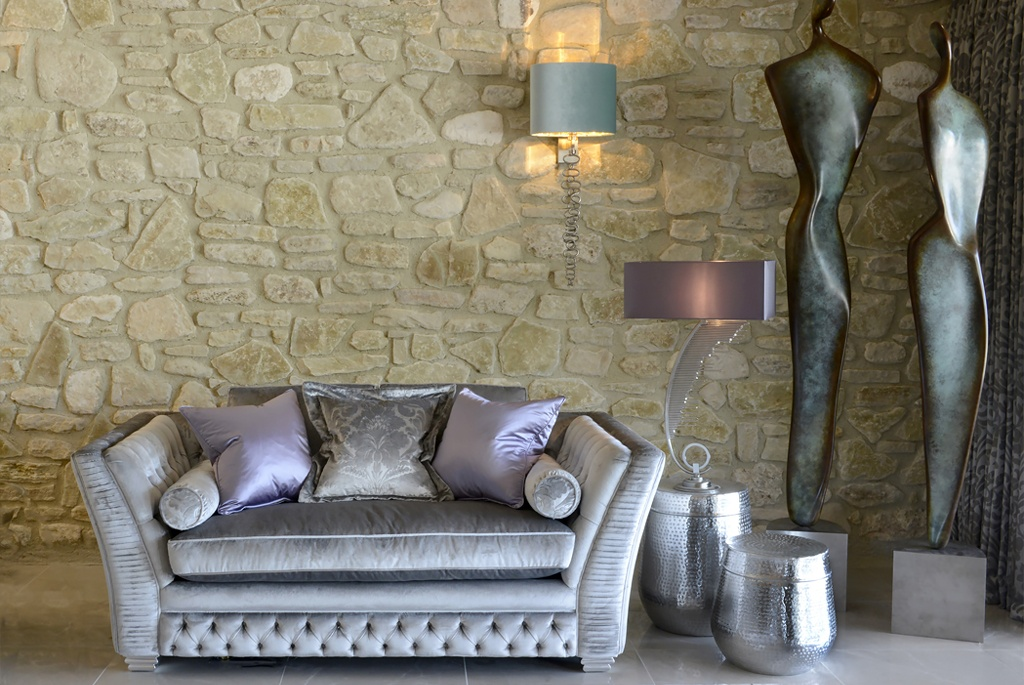 Add personality to your interiors, Provence villa, loveseat with lamps and sculptures
